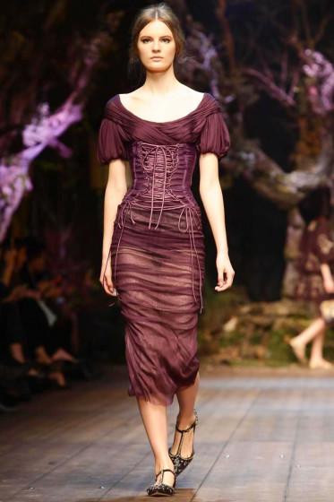 http://cdn.businessoffashion.com/site/uploads/2014/02/Dolce-And-Gabbana-RTW-FW14-Milan-1012-373x560.jpg