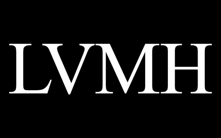 louis vuitton moët hennessy Lvmh moët hennessy • louis vuitton sa este cea mai mare companie producătoare de bunuri de lux din lume având sediul în paris, franța, compania are.