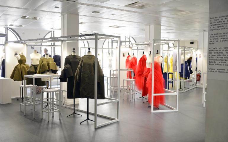 graduate showroom 2017 cole de la chambre syndicale de la couture parisienne 39 s visual. Black Bedroom Furniture Sets. Home Design Ideas