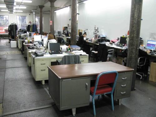 desks-at-the-news