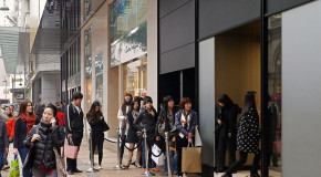 Chinese Are Traveling More but Shopping Less